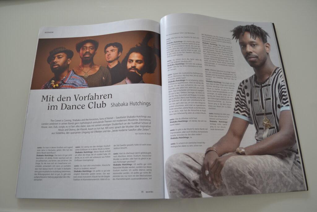 Fotos von Jazzer Shabaka Hutchings im abgebildeten Artikel